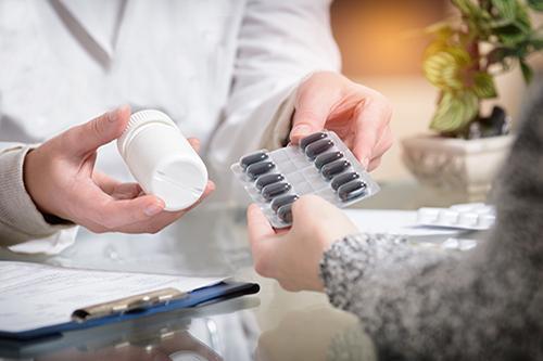 Revisão da Farmacoterapia e Intervenção Clínica Farmacêutica - Medicines Use Review (MUR)