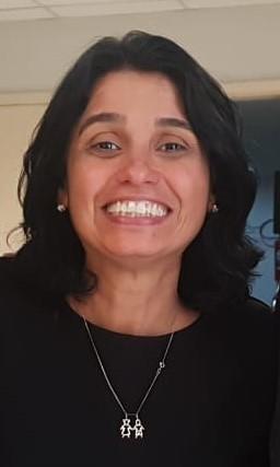 Carla Holandino Quaresma